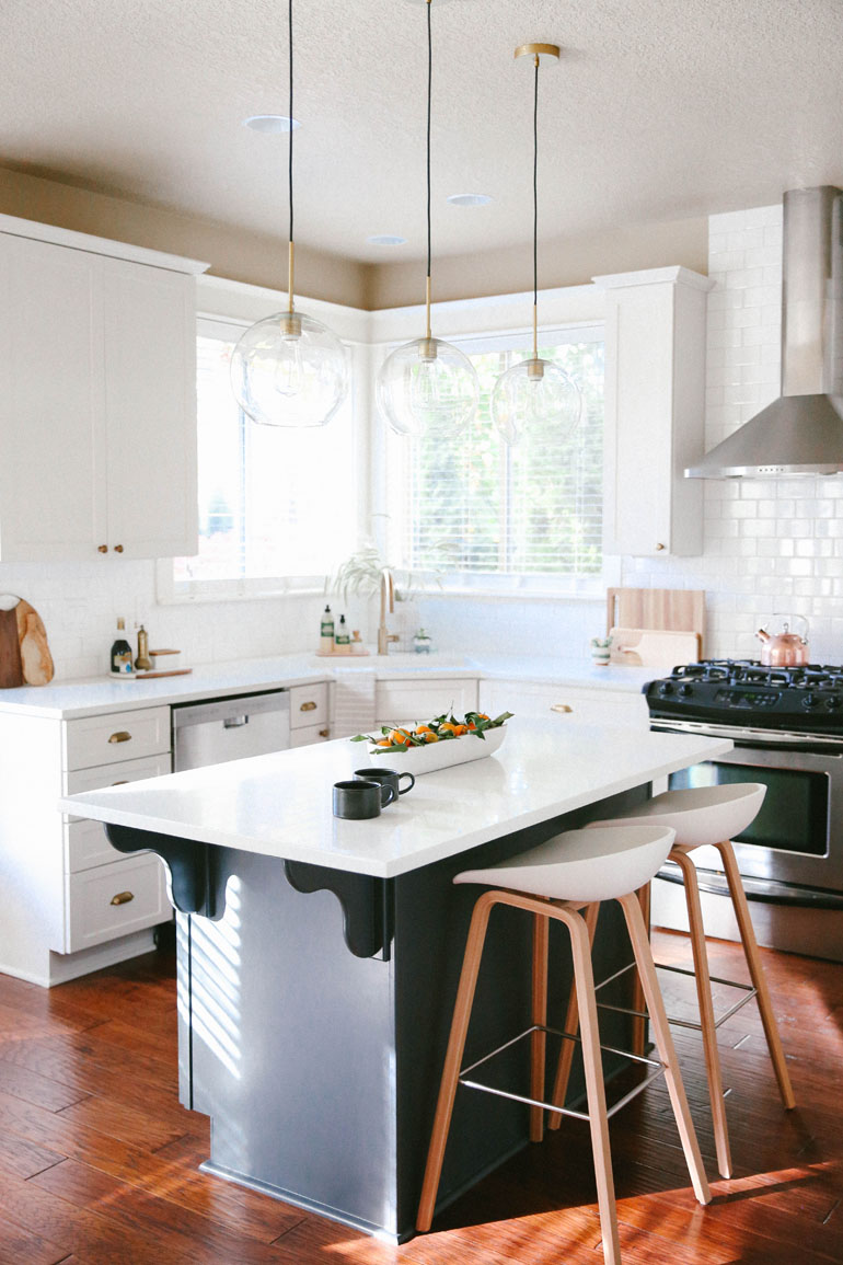 MANDY RIGGAR INTERIORS MODERN FARMHOUSE KITCHEN 1