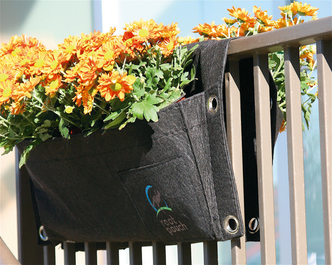 2011AugSept_Homeward_SaddleBagPlanters