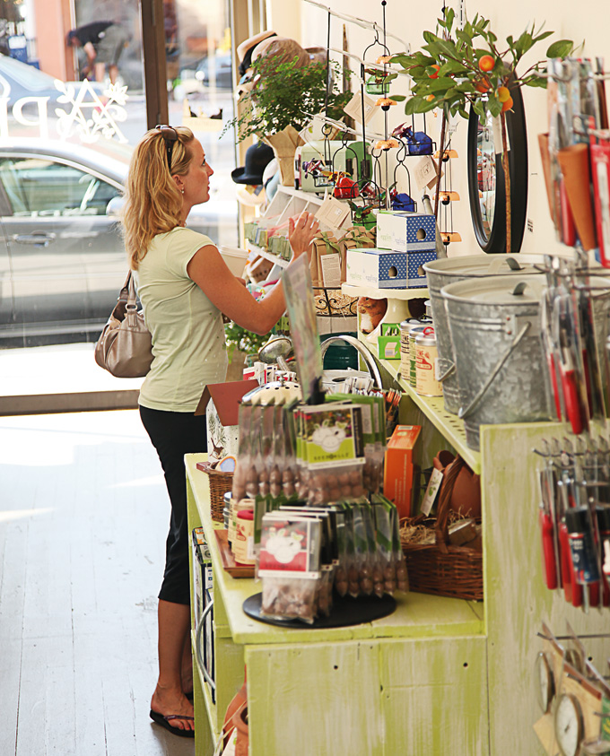2012DecJan_Homeward_HoodRiver01