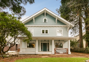 Custom Renovation: Respecting Tradition & Building Dreams